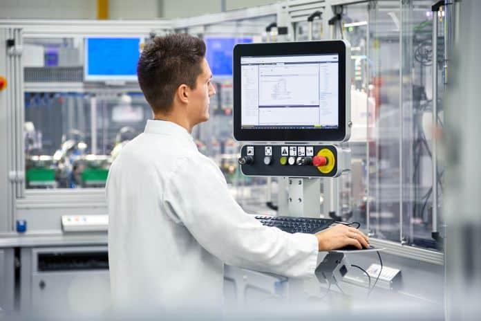 PC industriali modulari all-in-one per una vasta gamma di applicazioni