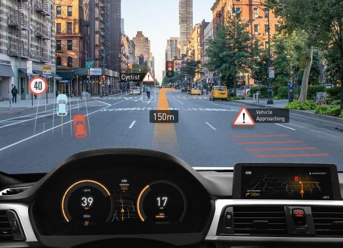 Rivoluzione della realtà aumentata con il nuovo scanner MEMS per occhiali e head-up display